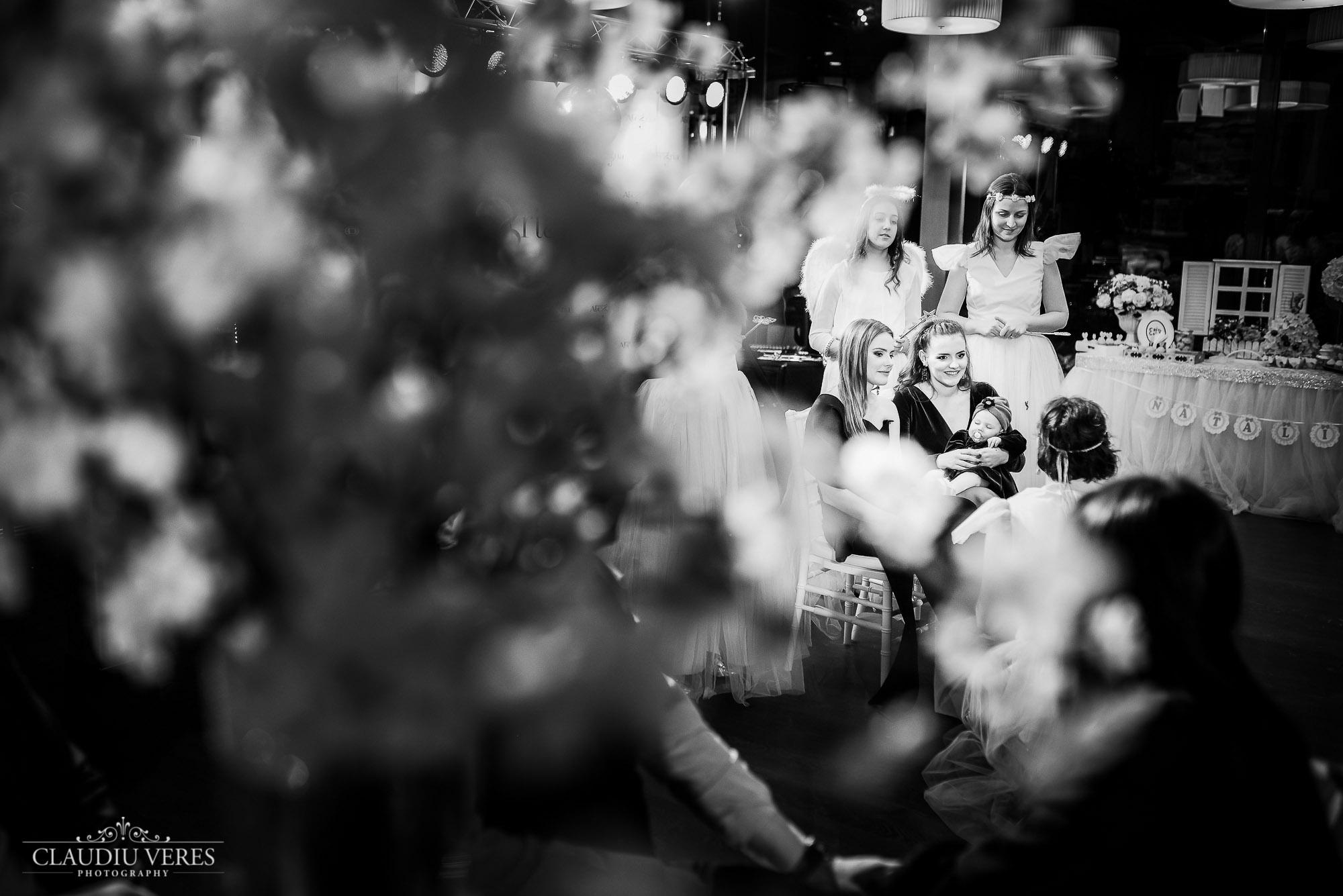 Fotograf botez bacau, fotograf botez, fotograf bacau, sedinta foto bebe, fotograf nou nascuti, sedinta foto burtica, fotograf botez piatra neamt, foto video botez, sedinta foto de familie